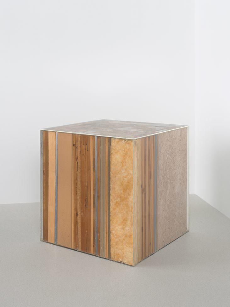 Cubo </i> (Cube)